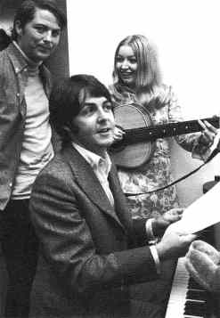 Paul McCartney and Mary Hopkin on Magpie, 1968