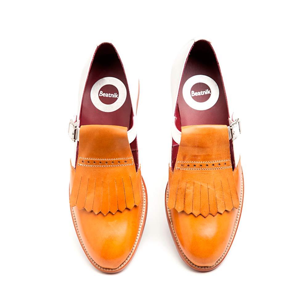 Zapato hebilla bicolor by Beatnik-Shoes