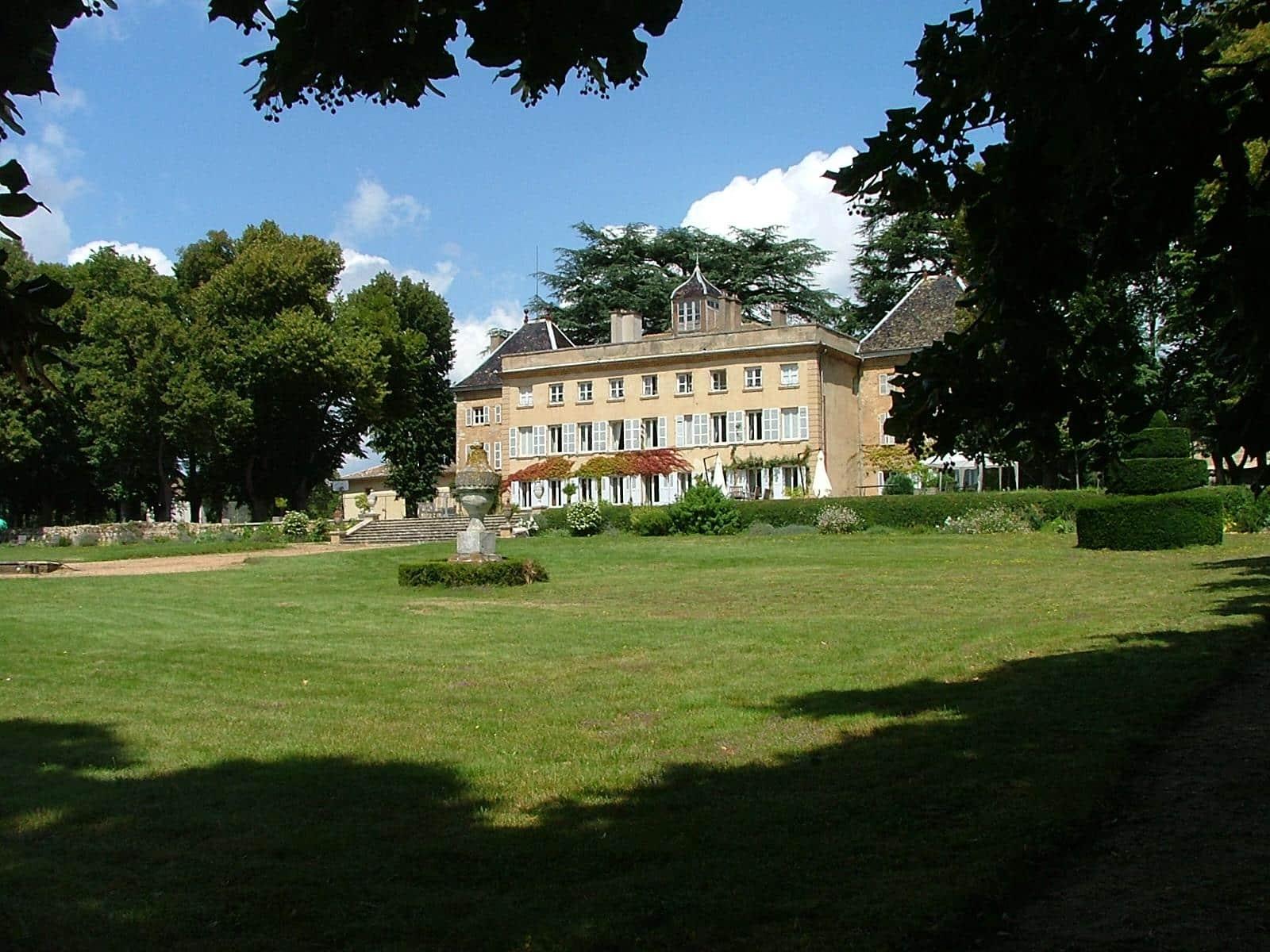 Beaujolais Sane Chambres dHtes Chteau de Longsard