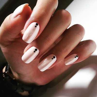 Κομψά και διακριτικά σχέδια για νύχια (3)