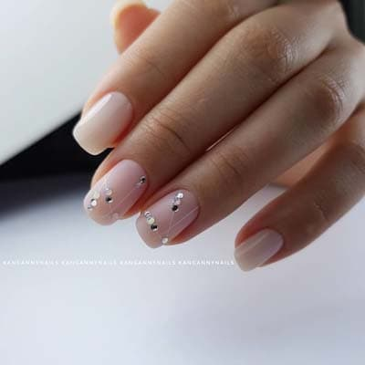 Κομψά και διακριτικά σχέδια για νύχια (6)