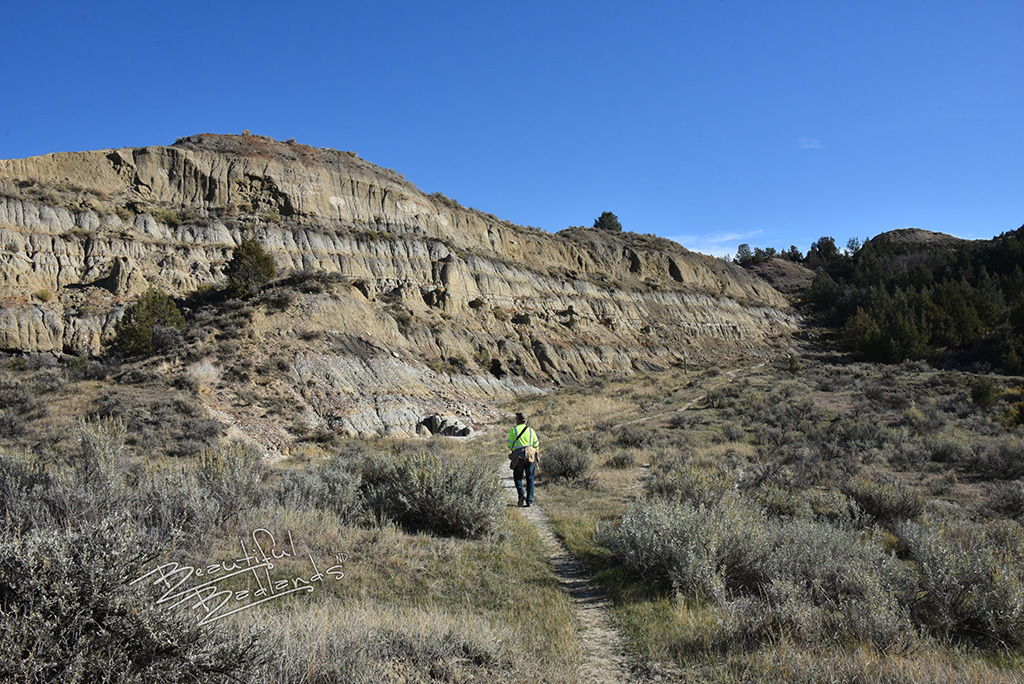 The Bennett Creek Trail starts on the valley floor and goes up the North Dakota Badlands toward China Wall.