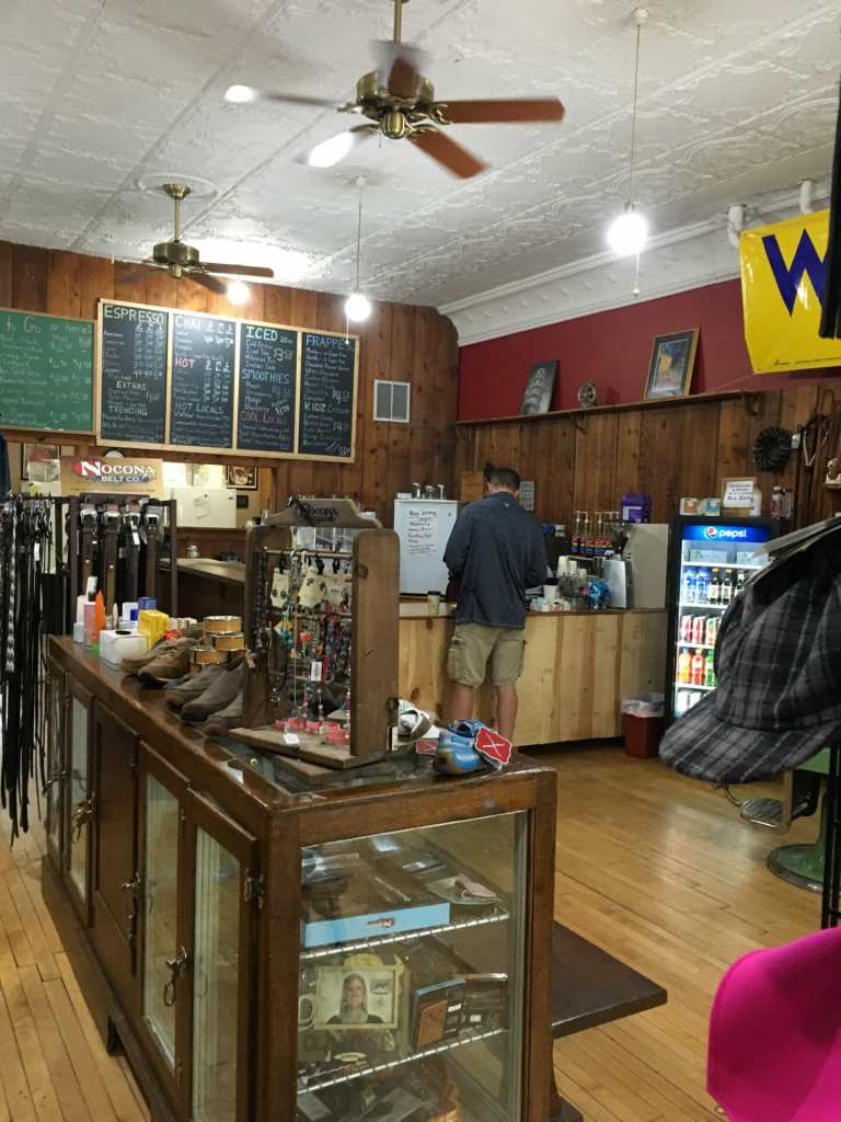 Golden Valley Outfitters and Park Cafe