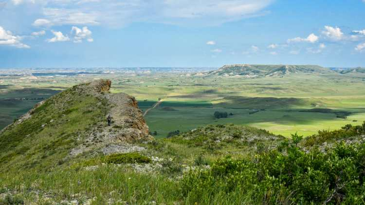 Hiking To The Edge of Sentinel Butte, North Dakota Badlands