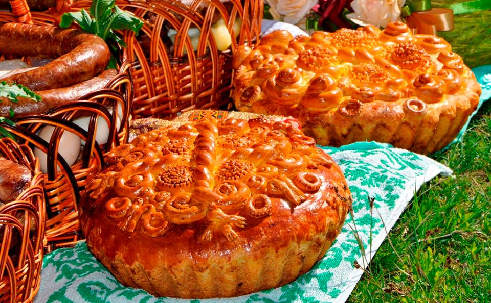 This Ukrainian Easter Bread Will Delight You Paska Beautiful