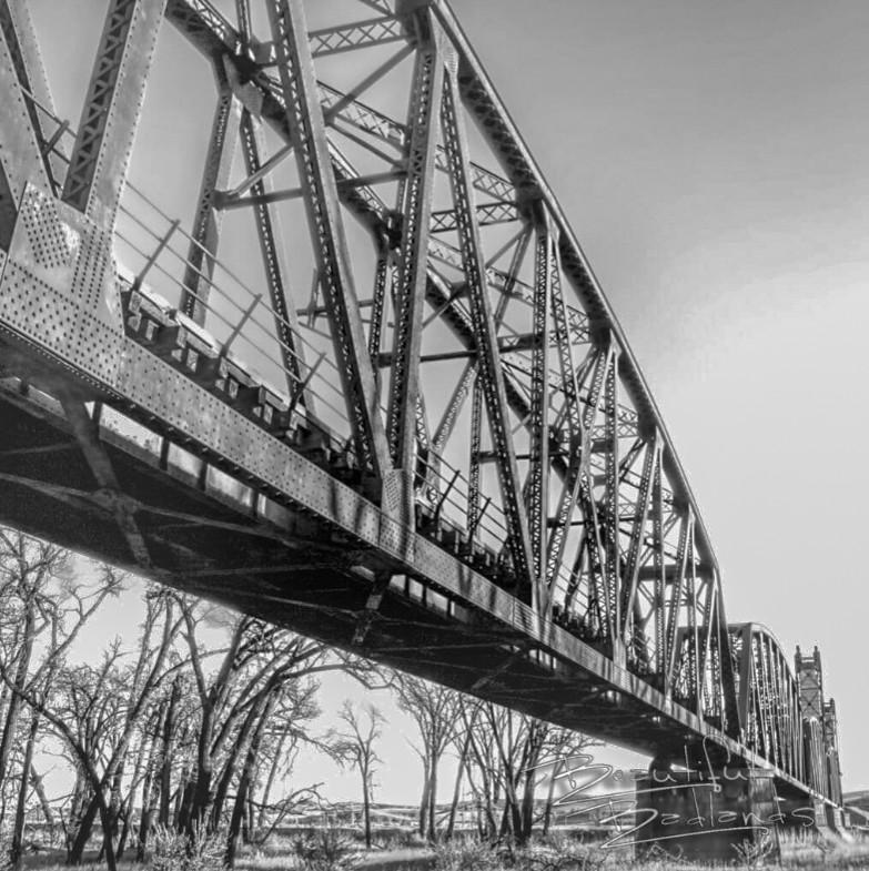 Snowden/Nohly Bridge in eastern Montana spans the Missouri River.