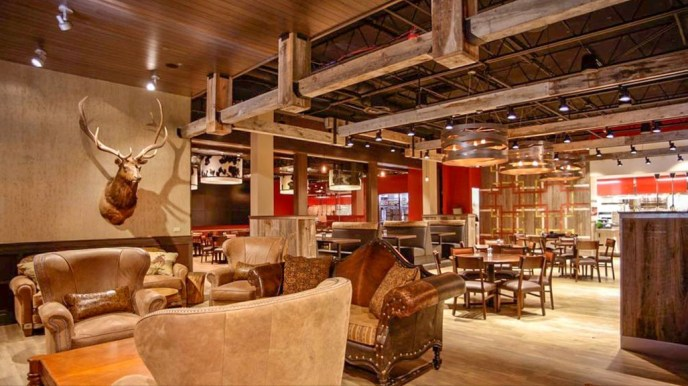 Comfortable seating and cozy surroundings at the Williston Brewing Company, Williston, North Dakota Photo from Williston Brewing Company website: https://bit.ly/3g9kCDO