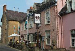 Dragon Inn, Crickhowell