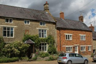 Cottages, Sulgrave