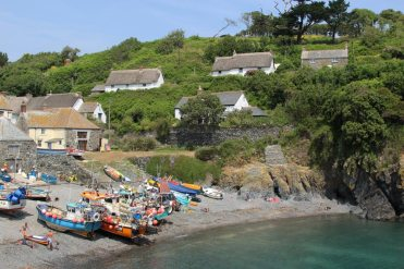 Cottages overlooking Cadgwith Cove, Cadgwith