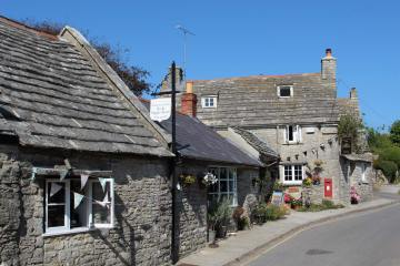 Tea and Supper Room and Post Office Cottage Bed and Breakfast, Worth Matravers