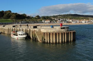 North Wall, entrance to Harbour, Lyme Regis