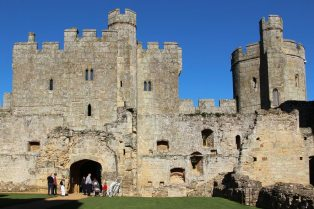 Barbican Gatehouse, Bodiam Castle