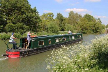 Narrowboat, Caen Hill Locks, Kennet and Avon Canal, Devizes