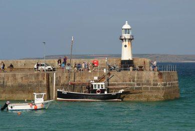 Lighthouse, Smeaton's Pier, St. Ives