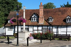 War Memorial and The Old Dutch House, Bray