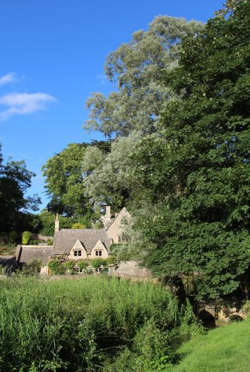Bridge House and Row Bridge, from Arlington Row, Bibury