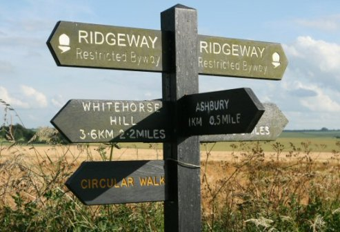 Ridgeway signpost, near Ashbury