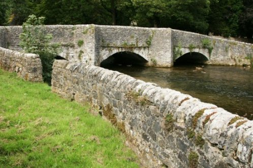Stone-walled sheep enclosure and Sheepwash Bridge, Ashford in the Water
