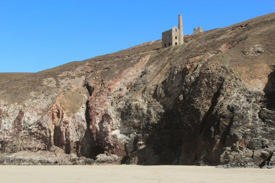 Towanroath Vugga, Cave and Wheal Coates Mine, St. Agnes