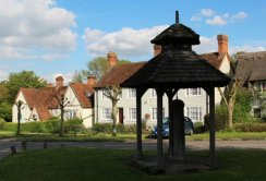 Village Pump and Canopy, Westmill