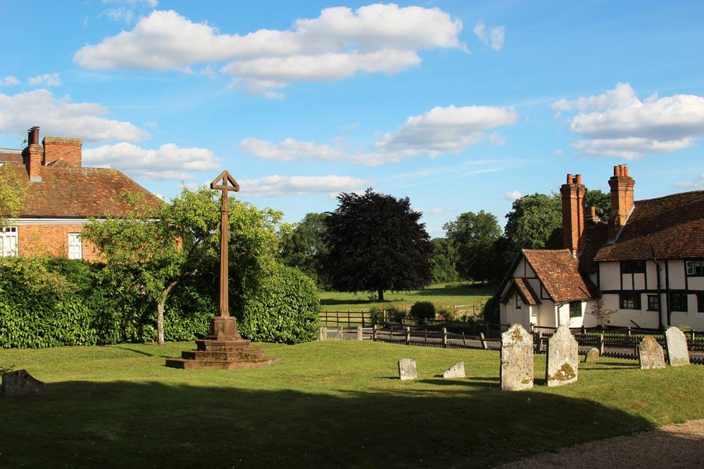 Robert Bridges' family cross, St. Peter and St. Paul Churchyard, Yattendon