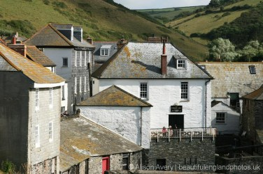 The Golden Lion pub, from The Old School Hotel, Port Isaac