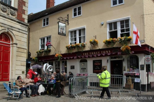 The Three Tuns pub, The Queen's 90th Birthday, Windsor