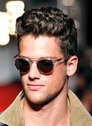 curly hairstyles men beautiful
