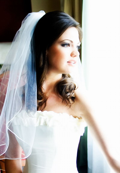 30 Half Up Bridal Hairstyles Veil Hairstyles Ideas Walk The Falls