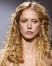 renaissance hairstyles beautiful