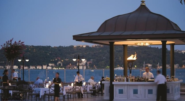 Four Seasons Istanbul at the Bosphorus (Istanbul, Turkey) 11