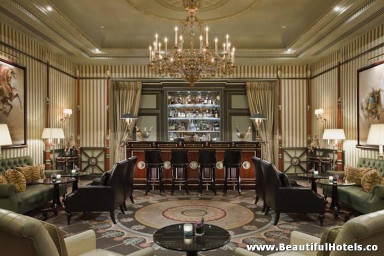 Shangri-La Hotel (Paris, France) 35