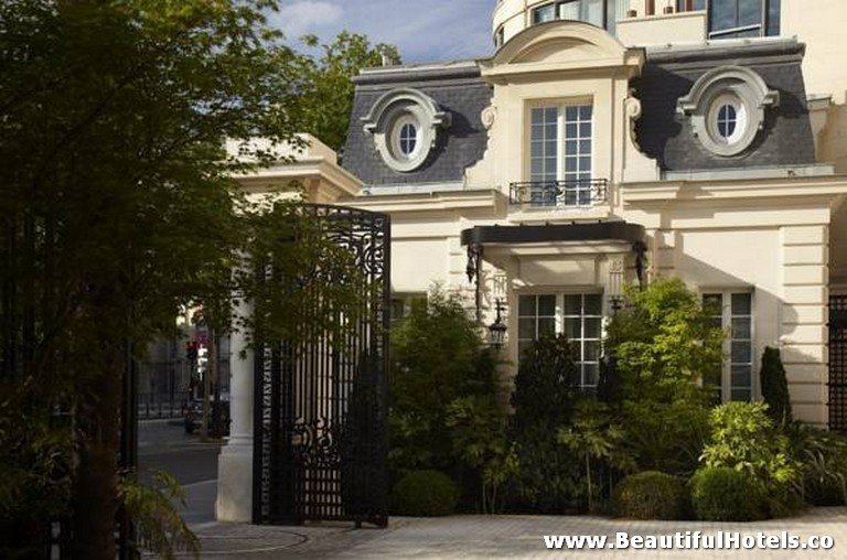 Shangri-La Hotel (Paris, France) 36