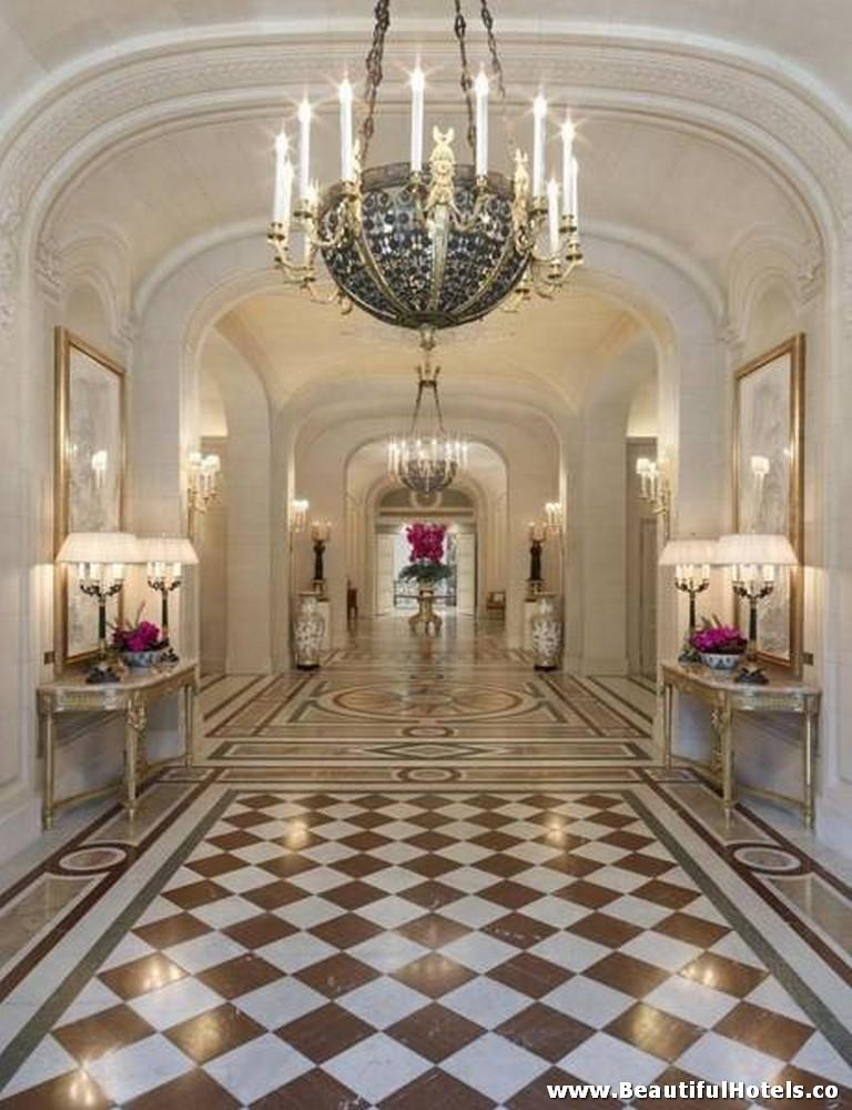 Shangri-La Hotel (Paris, France) 38