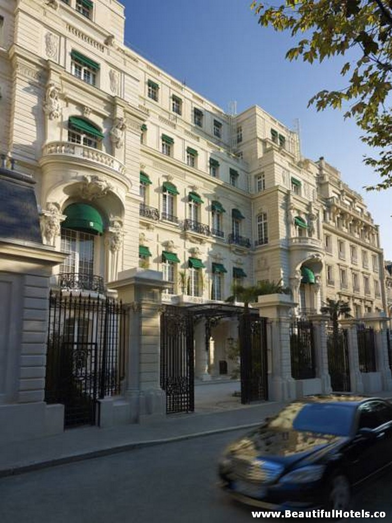 Shangri-La Hotel (Paris, France) 4