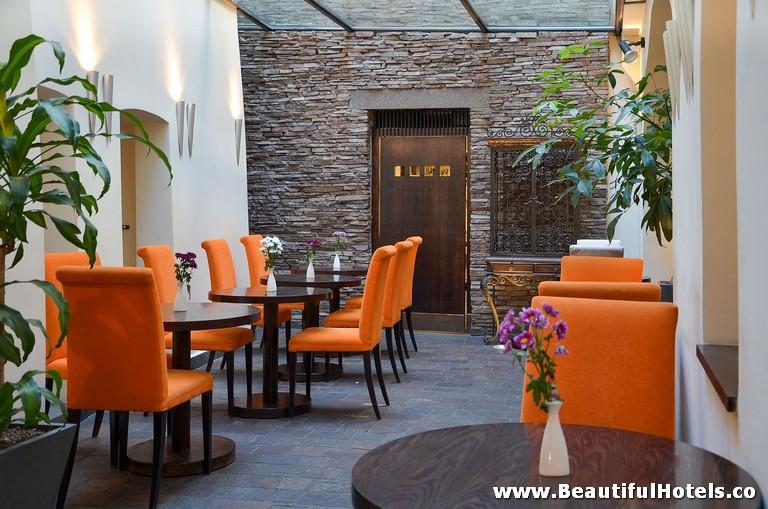 design-hotel-neruda-prague-czech-republic-2