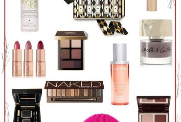 From beautiful perfumes to out of this world palettes,these are the best beauty gifts to give (and receive!) right now. Scroll down for our 12 favorites.
