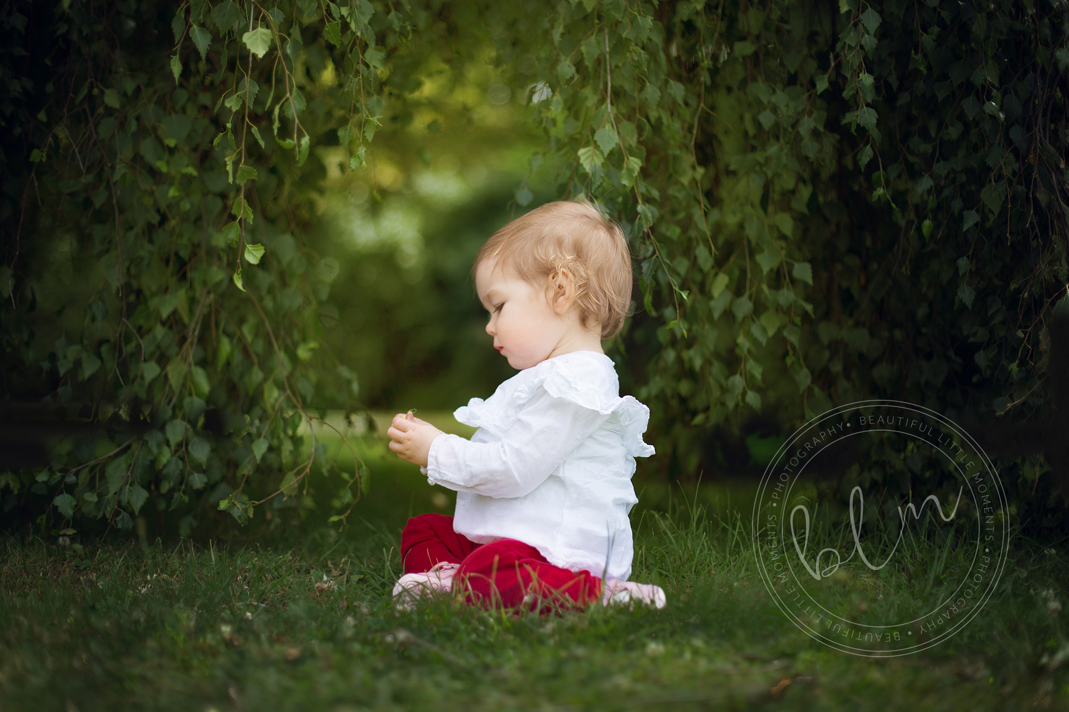 outdoor child photography epsom surrey cheam park photoshoot