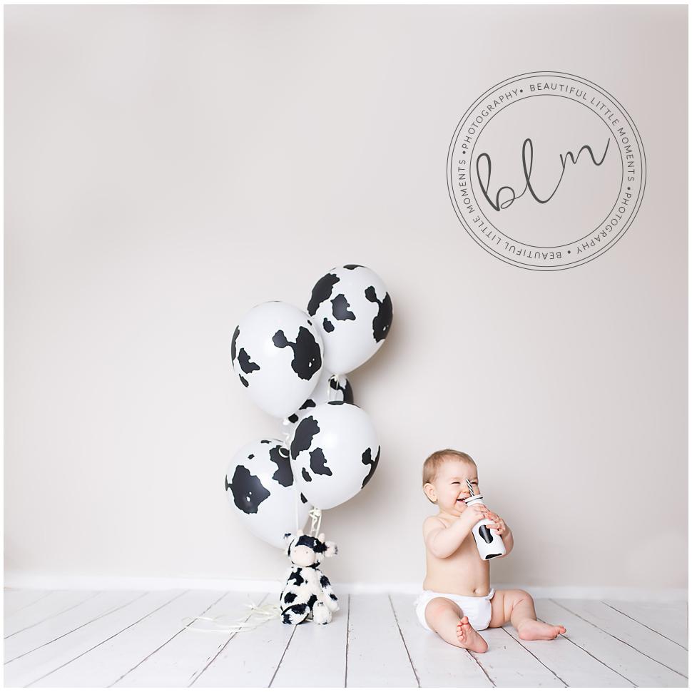 beautifullittlemoments-baby-photography-10-months-cow-print-theme
