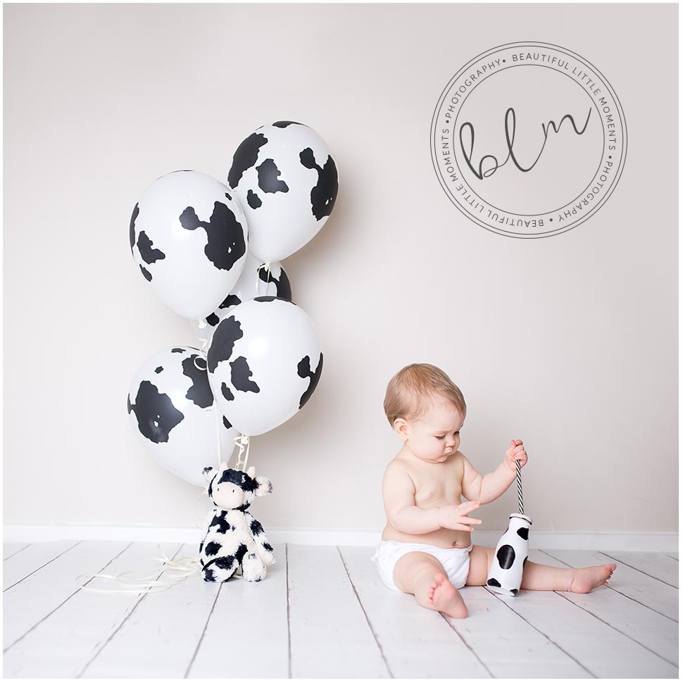 beautifullittlemoments-baby-photography-10-months-cow-theme