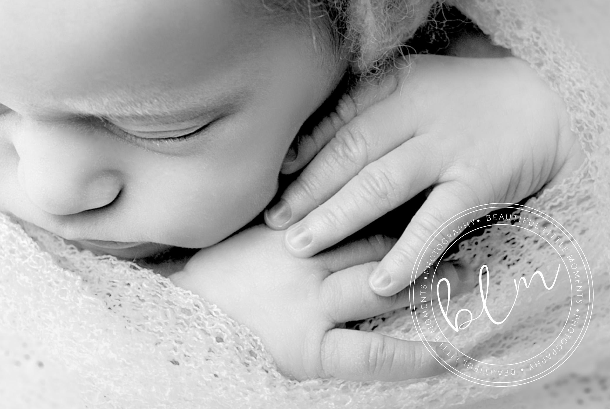 newborn baby girl detail photo hands