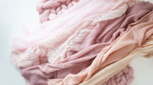 pink-wraps-and-blankets
