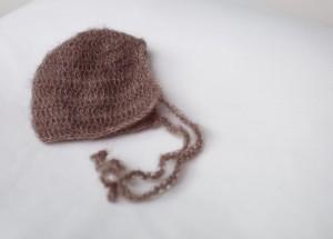 brown-crochet-bonnet