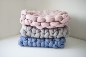 chunky-knit-blankets