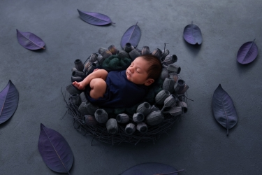 newborn-baby-boy-photo-shoot-epsom-surrey-blue-3