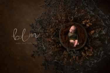 newborn-boy-nest-amber-crop