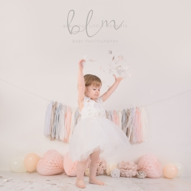 pink-pretty-girl-birthday-photoshoot-confetti-epsom-surrey