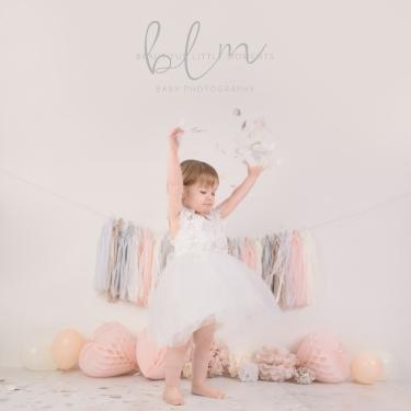 pink-pretty-girl-birthday-photoshoot-confetti-epsom-surrey