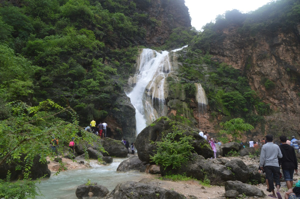 Visit Beautiful Waterfalls in Salalah during Khareef